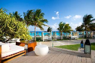 Cancun Hotels:Krystal Grand Punta Cancun
