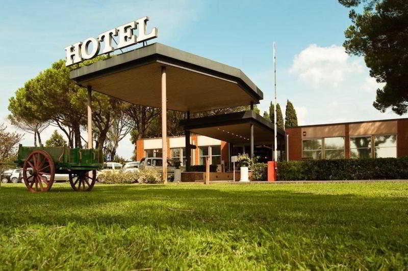 Park Hotel California, Via Aurelia Ss,km338