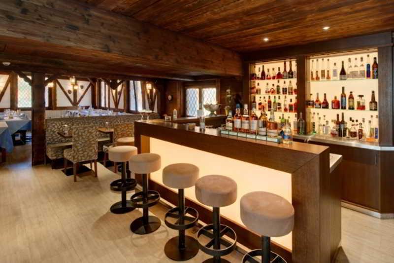 Aristella - Bar