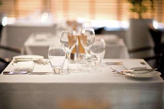 Hilton Dubai Creek - Restaurant