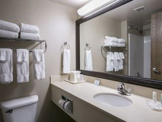 Comfort Suites Airport - Austin