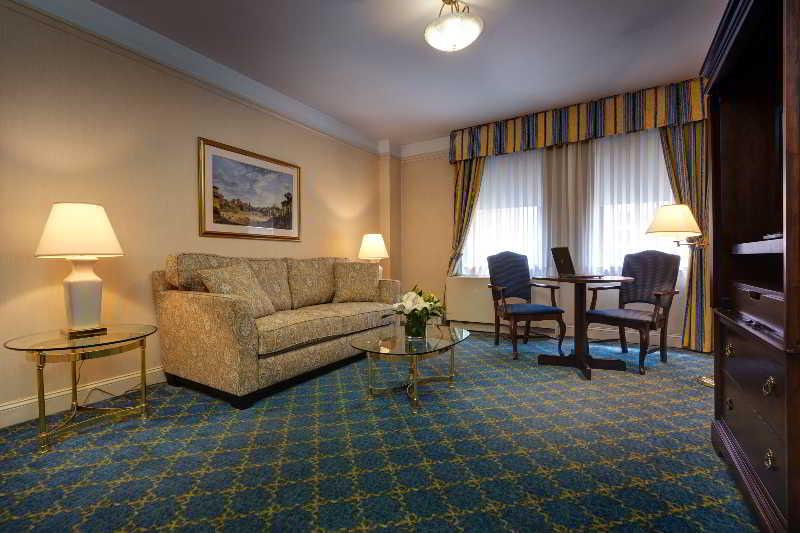 New York Hotels:Wellington Hotel