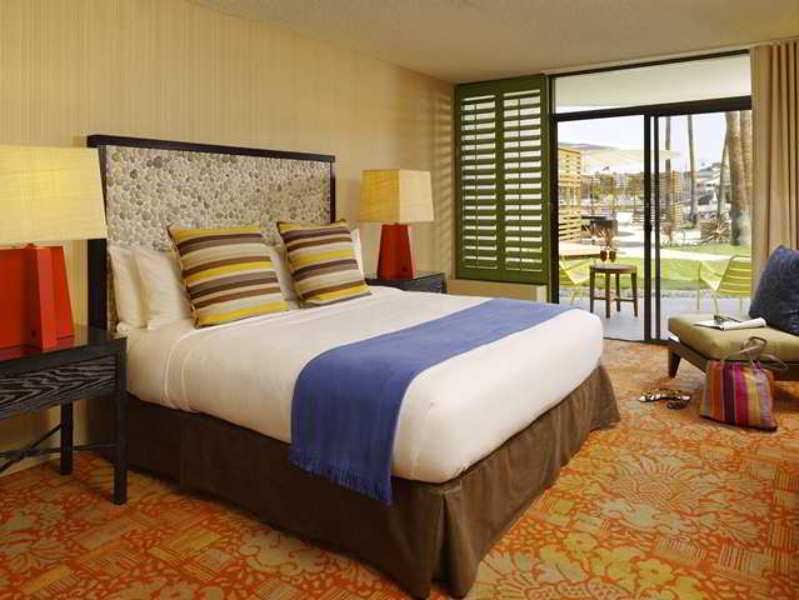 Hotel Maya, A Doubletree By Hilton