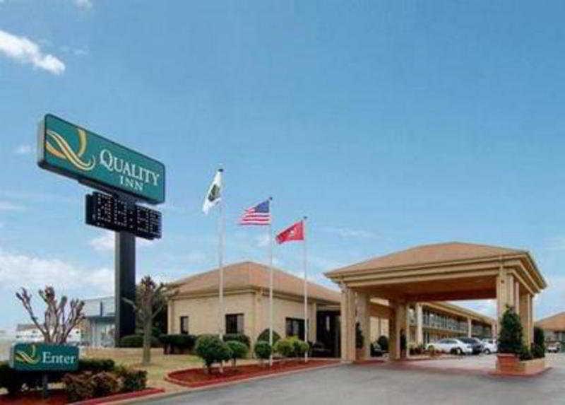 Motel 6 Memphis Downtown, 1581 E. Brooks Road,