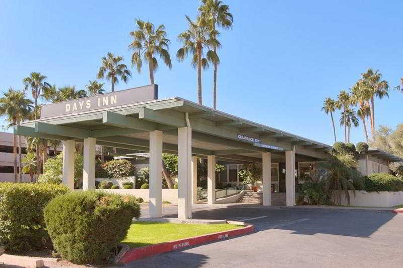 Days Inn Scottsdale…, 4710 North Scottsdale Rd,