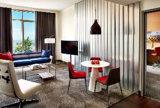 Hotel Zephyr, Beach Street,250
