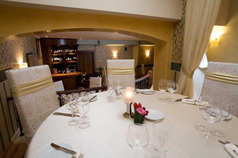 Capitol - Restaurant