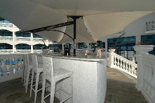 Chaika Beach Resort - Bar