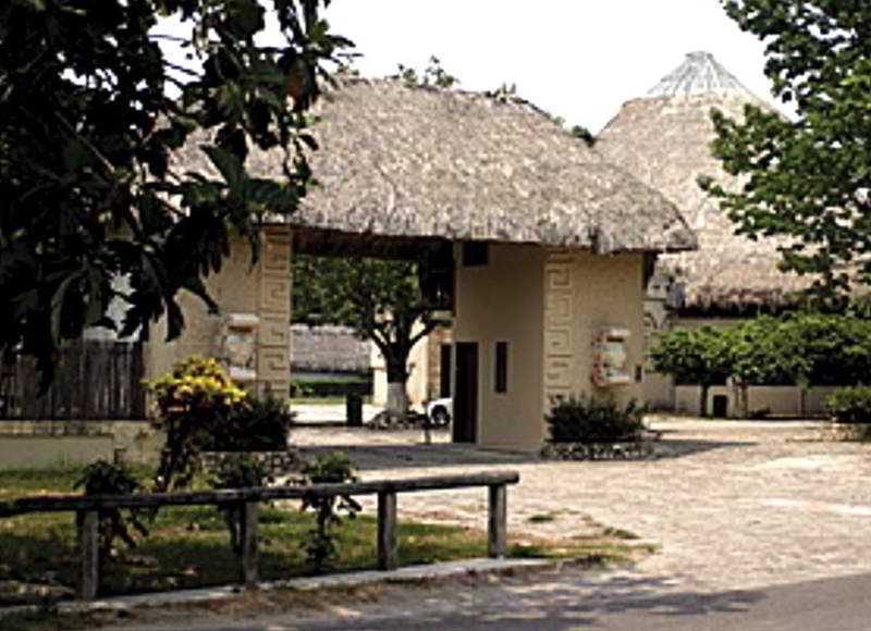 Mexico hotels cheap and budget mexico hotel for Villas kin ha palenque