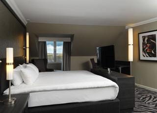 Edinburgh Hotels:DoubleTree by Hilton Edinburgh City Centre