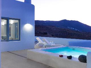 Heaven on Earth, Pori , Santorini,