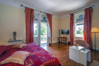Villa Astra, Viktoria Cara Emina 11,11