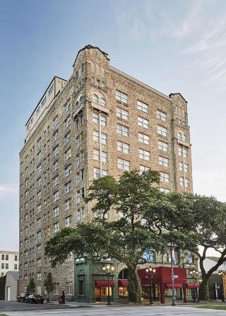 Pontchartrain Hotel, St. Charles Avenue,2031