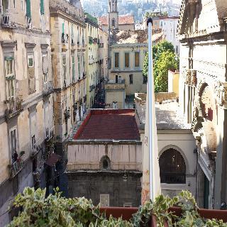 Neapolis, Via Francesco Del Giudice,13