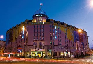 Radisson Blu Sobieski…, Plac Artura Zawiszy,1
