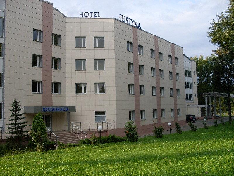 Justyna Hotel, Ul. Jana Pawla Ii,70