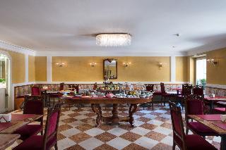 Art Hotel Orologio, Via Iv Novembre 10c,10