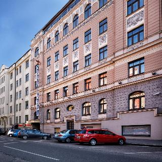 City Hotel Teater, Bruninieku Str.,6