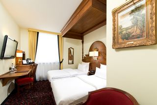 King`s Hotel First Class
