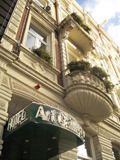 Art Gallery Hotel Bv