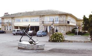 Las Sirenas ( Hotel )