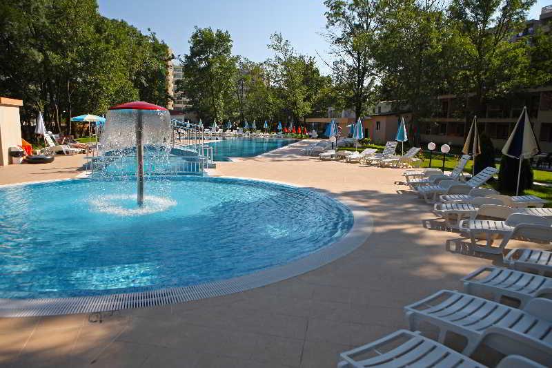 Yunona - Pool