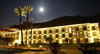 Ece Saray Marina Resort, Fevzi Cakmak Caddesi,1