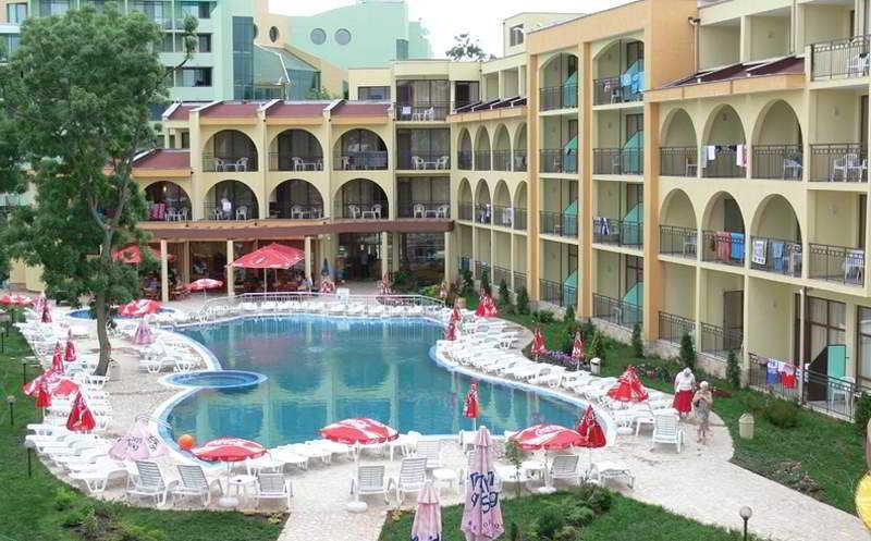 Yavor Palace - Pool