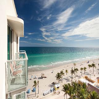 Hollywood Beach Marriott, 2501 North Ocean Drive,