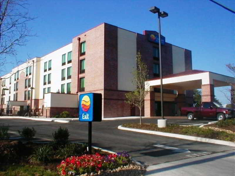 Comfort Inn & Suites…, Crownhill Blvd, San Antonio,8640