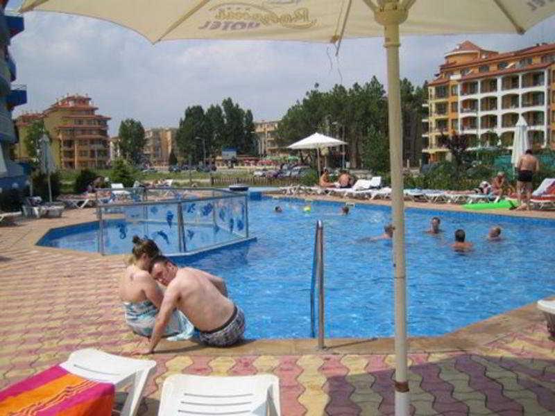 Bohemi - Pool