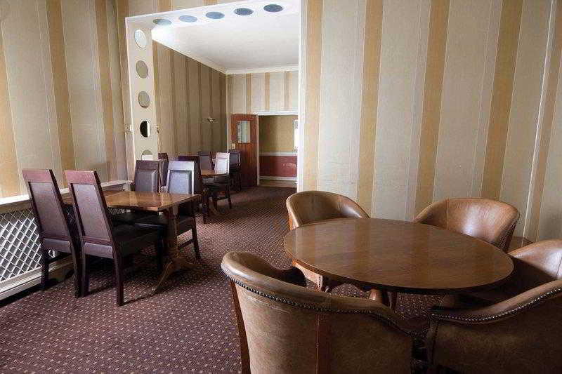 Best Western Cumberland, St. Johns Road, Middlesex,1-3
