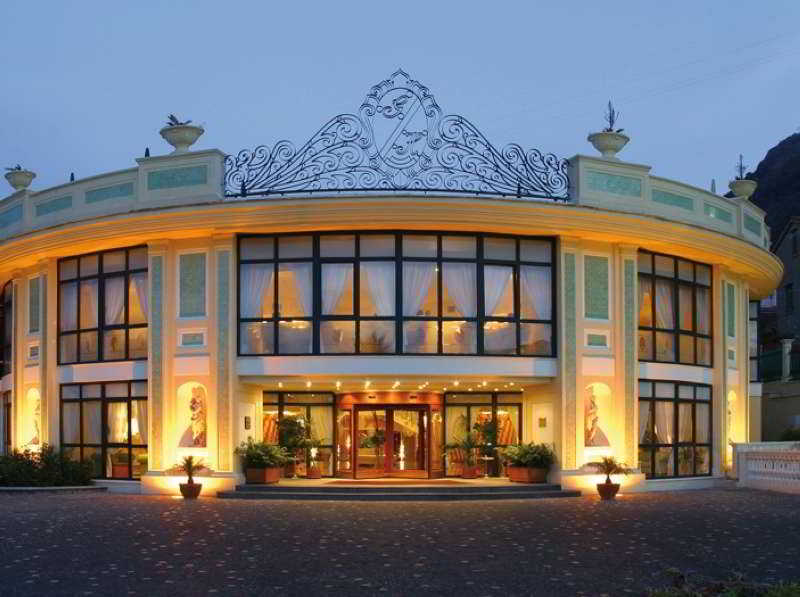 Grand Hotel La Pace, Via Tordara,10