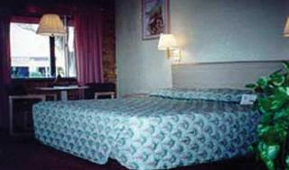 Travelodge La Hacienda, 6400 Montana Avenue,