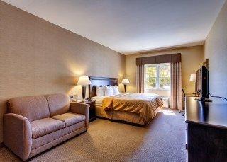 Quality Suites Freeport