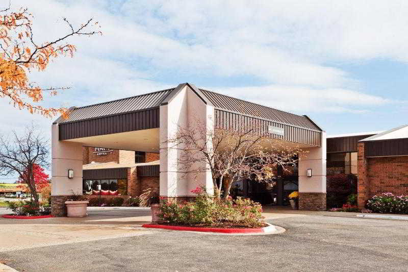 Crowne Plaza Grand Rapids, 28th Street Southeast,5700