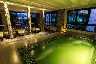 Estanplaza Funchal Faria Lima - Pool