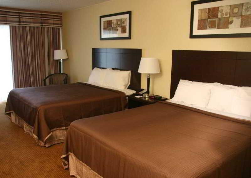 Howard Johnson Inn & Suites-Toronto East