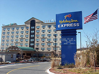Holiday Inn Express Hauppauge - Long Island