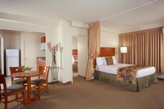 Hawaii Hotels:Aqua Waikiki Pearl