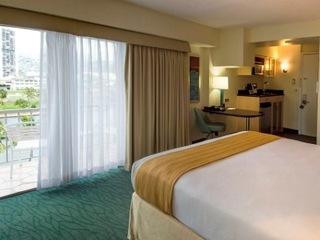 Hawaii Hotels:Coconut Waikiki Hotel
