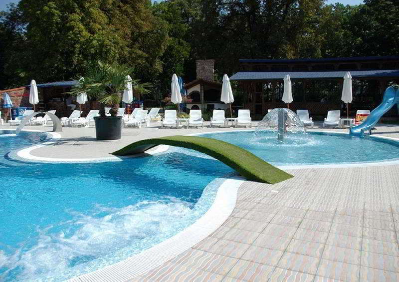 Anna-Kristina - Pool