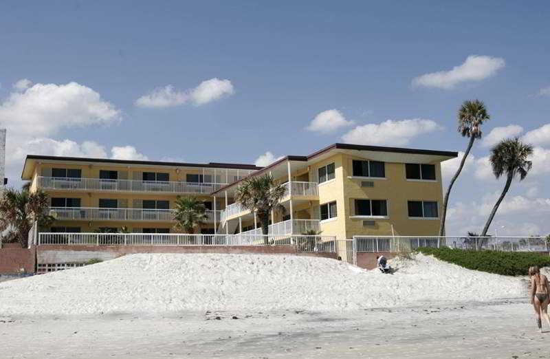 Saxony Inn, 35 S. Ocean Ave,