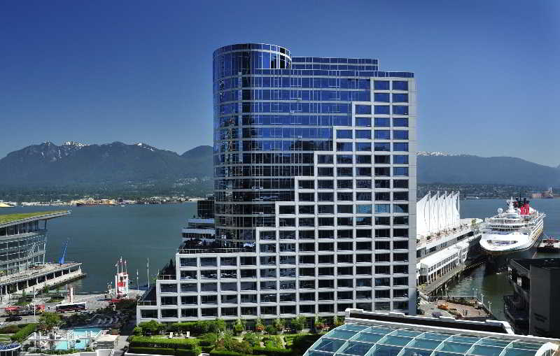 Fairmont Waterfront, 900 Canada Place Way,