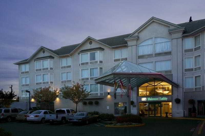 Sandman Hotel Victoria, 2852 Douglas Street,2852