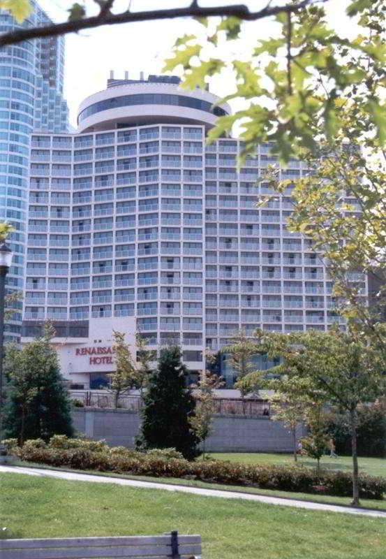 Pinnacle Vancouver Harbourside Hotel