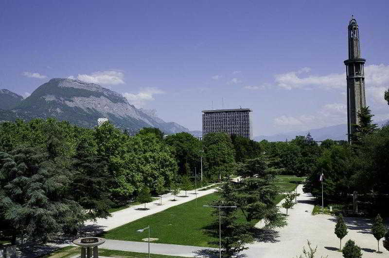 Park Hotel Grenoble…, Place Paul Mistral,10