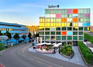 Radisson Blu Hotel,…, Inseliquai (lakefront Centre),12