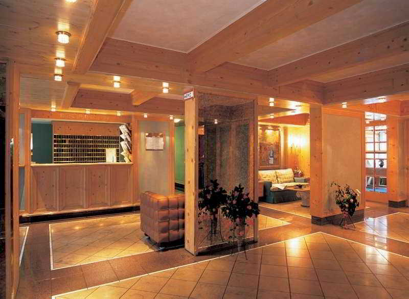 hotel derag livinghotel max emanuel munich ciudad munich. Black Bedroom Furniture Sets. Home Design Ideas