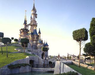 Paris Hotels:Kyriad Disneyland Resort Paris